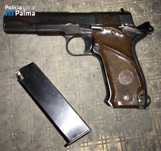 Pistola encontrada por Emaya