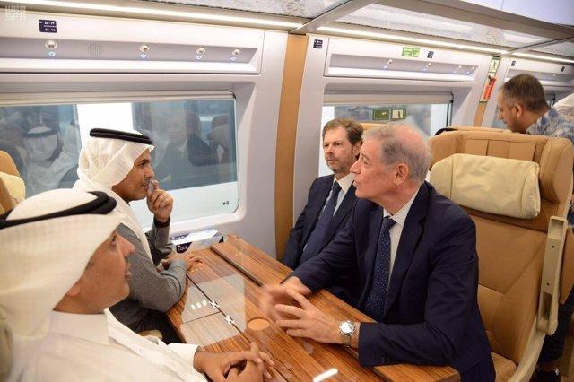 El tren de alta velocidad Medina-La Meca realiza su primer viaje oficial