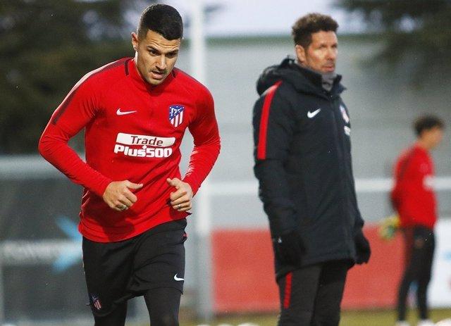Vitolo completa su primer entrenamiento con el Atlético de Madrid