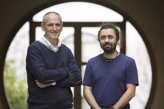 Los investigadores Pablo Archel (izq.) y Javier Husillos.