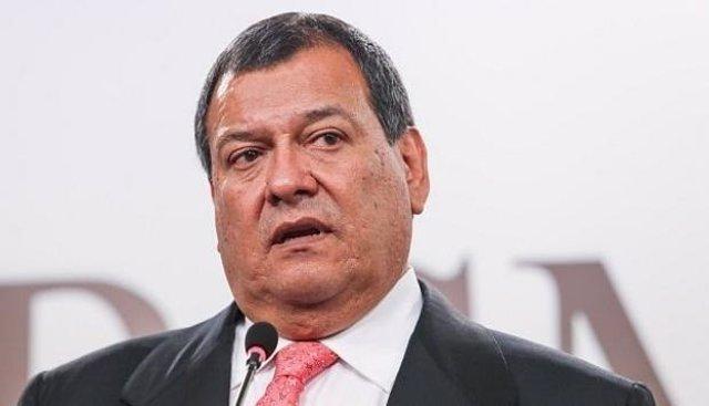 Ministro de defensa perú