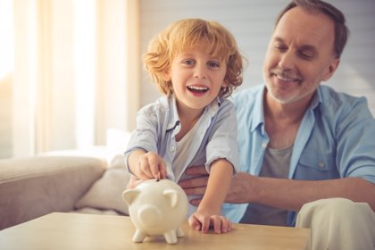 Los hogares españoles reducen el dinero destinado al ahorro
