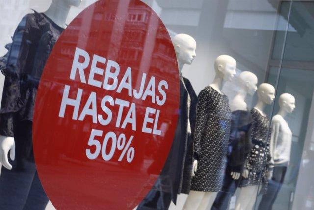 749696b7bc54 El Corte Inglés adelanta en Internet sus rebajas al Día de Reyes con  descuentos de hasta el 50%