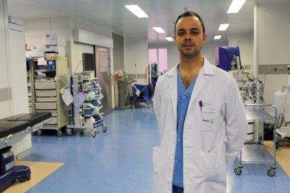 Realizan por primera vez en España la extracción de cálculos biliares con técnicas mínimamente invasivas