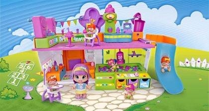 Famosa lidera la campaña de Navidad de juguetes, impulsado por Pinypon y Nenuco