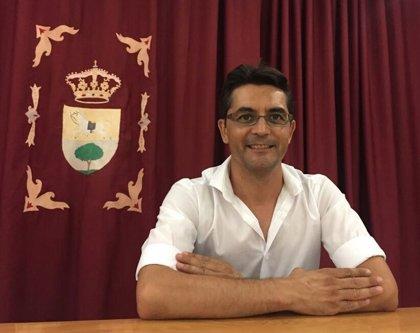 """Alcalde de Puerto Serrano (Cádiz) celebra que bajo su gobierno """"se ha reducido la deuda en un millón y medio de euros"""""""