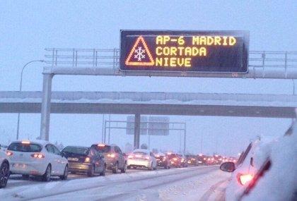 Los más de 2.500 km de carreteras madrileñas registran normalidad por el trabajo de 36 quitanieves y 194 efectivos