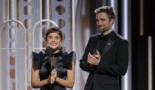 Emma Watson y Robetr Pattinson en los Globos de Oro