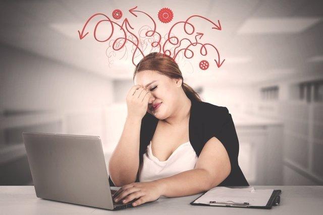 Mujer, estres, obesidad
