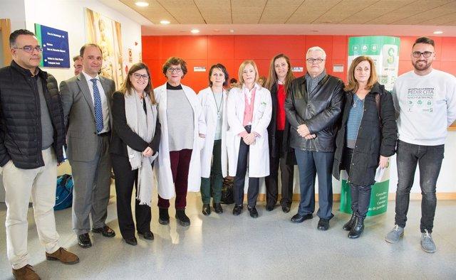 Regina Leal visita el Centro de Salud de Santa María de Benquerencia