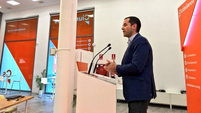 Ignacio Aguado en rueda de prensa