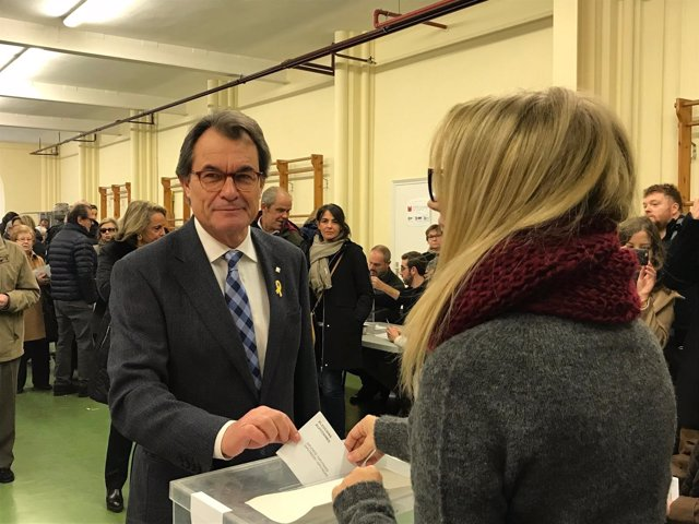 Artur Mas, PDeCAT. Vota en las elecciones catalanas 2017