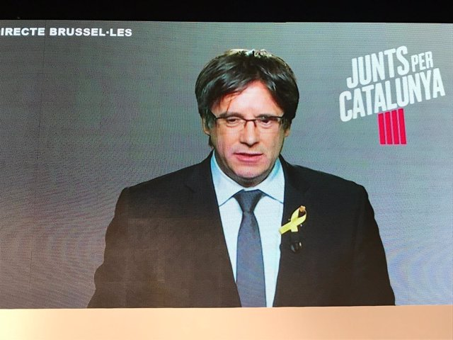 C.Puigdemont en un acto de JuntsxCat