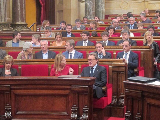Pleno del Parlament. Neus Munté y Artur Mas