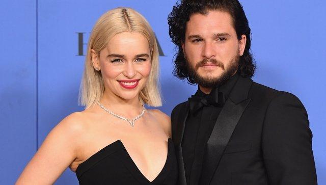 Emilia Clarke yKit Harington, protagonistas de Juego de tronos