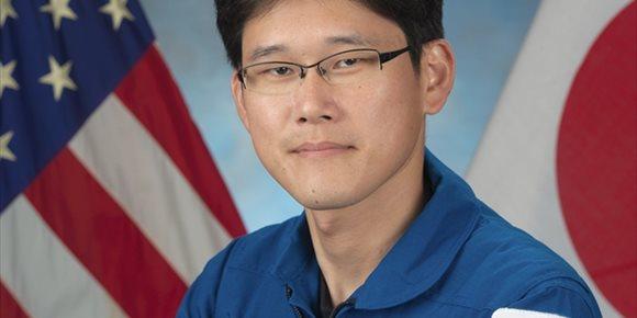 4. Un astronauta japonés pide perdón por decir que creció 9 centímetros