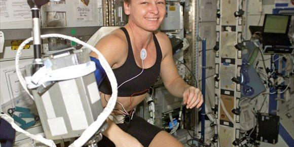 8. La ingravidez sube la temperatura de los astronautas hasta 40 grados