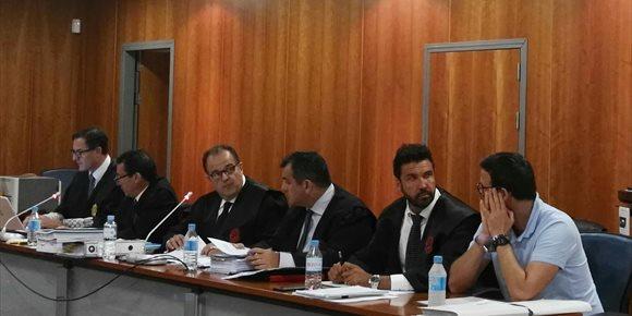 9. La defensa del condenado por matar a un niño en una balsa en Málaga pide bajar la pena y el abogado del padre, agravarla