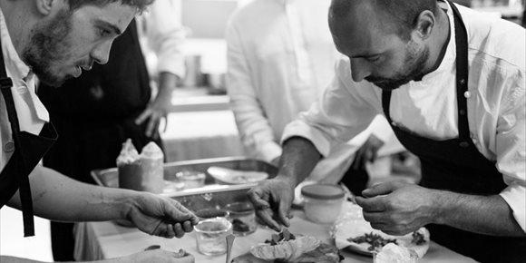 5. La Academia Gastronómica de Málaga premia al restaurante Bardal, al chef Willie Orellana y a Enrique Cibantos