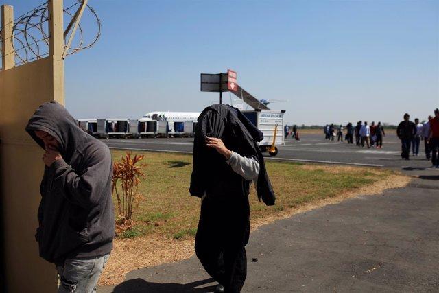 Deportados por EEUU llegan a El Salvador