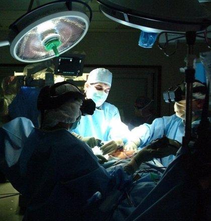 El daño a las células del corazón durante o tras una cirugía no cardiaca, muy vinculado con riesgo de muerte