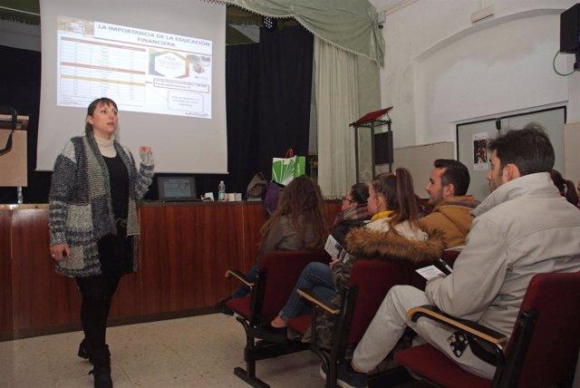Conferencia sobre educación financiera enmarcada en el Proyecto Edufinet.