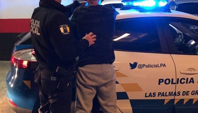Varón detenido por la Policía Local de Las Palmas de Gran Canaria