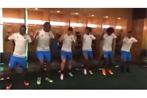 ¿Pondrá de moda Yerry Mina la salsa choke entre sus compañeros del F.C. Barcelona?