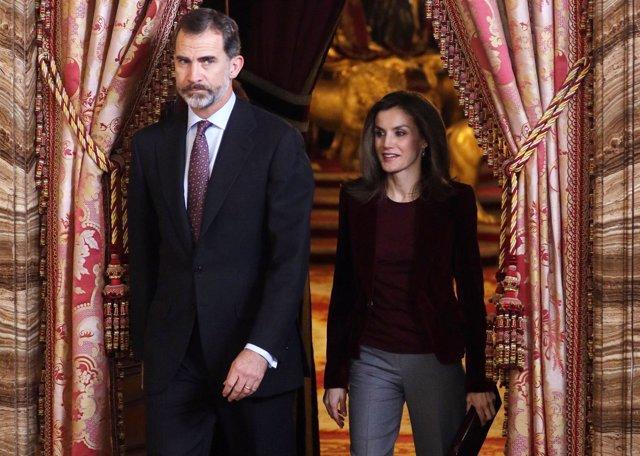 El Rey Felipe VI y la Reina Letizia/ Raul Terrel