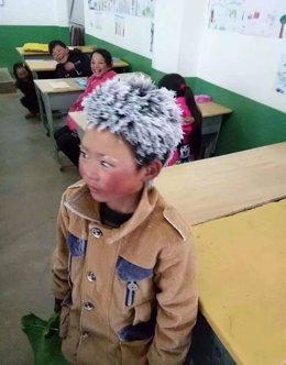 ÛIce Boy' el niño chino que acudió a la escuela con 9 grados bajo cero