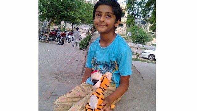 Jonathan niño Pakistán