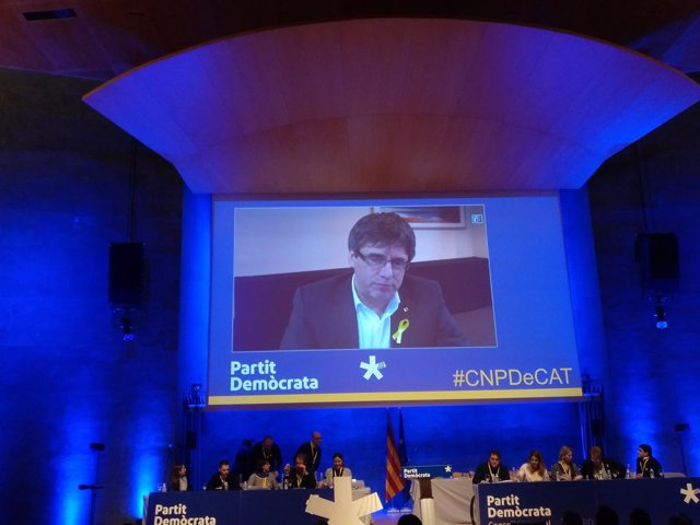 Carles Puigdemont en el Consell Nacional del PDeCAT