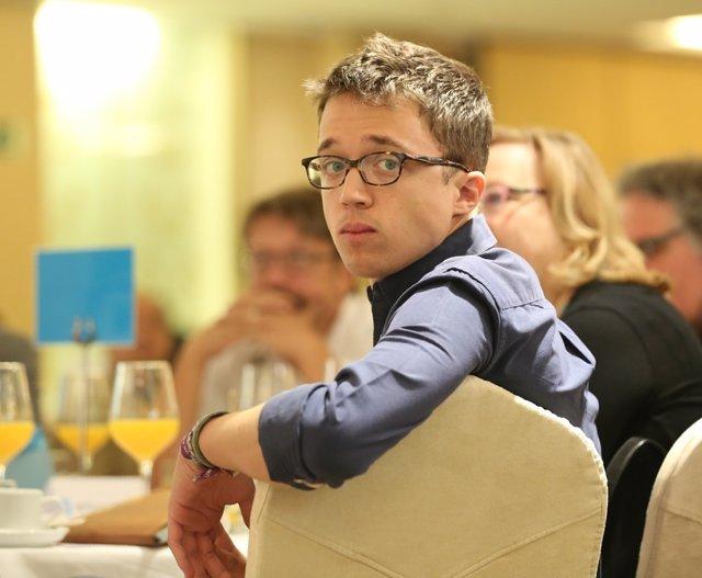 Iñigo Errejón en el desayuno informativo de Europa Press con Pablo Iglesias
