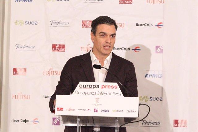 Pedro Sánchez presenta a Iceta en el Desayuno de Europa Press