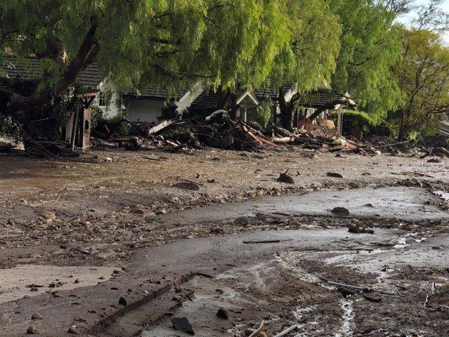 Aludes de barro en California por las lluvias torrenciales