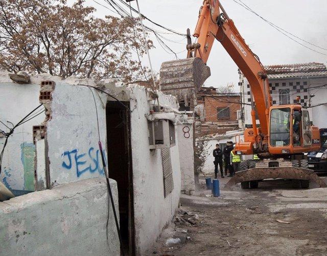 Comunidad regulará por decreto realojo de poblados chabolistas