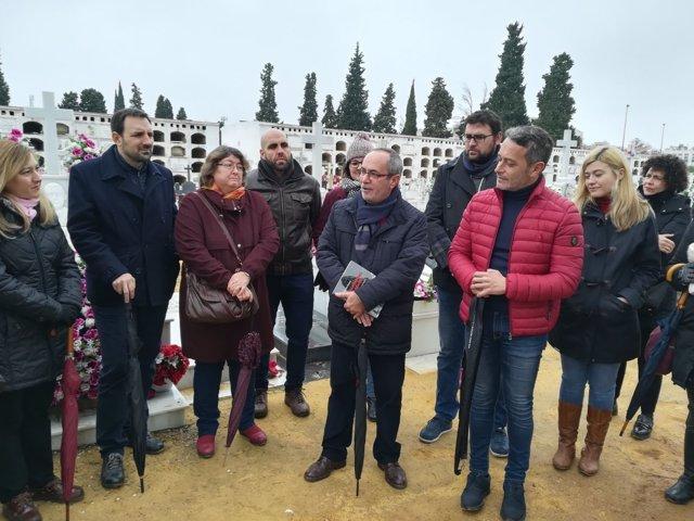 Visita del PSOE-A al cementerio de San Fernando de Sevilla
