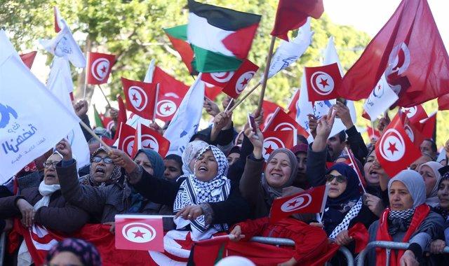 Manifestación en el aniversario de la Revolución de los Jazmines