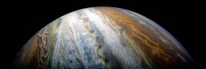 Júpiter y sus cinturones de nubes coloridas