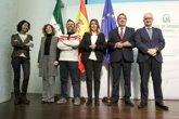 """Foto: Susana Díaz afirma que tiene la """"responsabilidad y obligación de volver a levantar la bandera de la igualdad"""""""