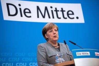 Els conservadors de Merkel rebutgen canviar el preacord aconseguit amb l'SPD (BERND VON JUTRCZENKA/DPA)