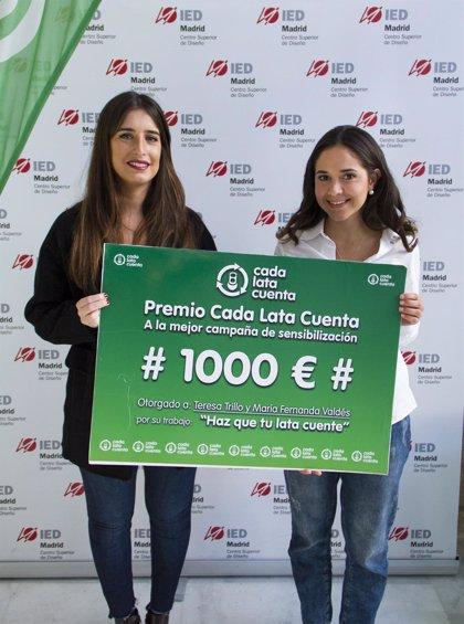 Dos alumnas del IED ganan el premio a la creación de campaña de comunicación de Cada Lata Cuenta