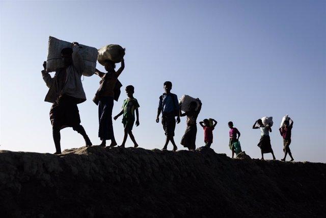 Reugiados rohingya recién llegados a Bangladesh