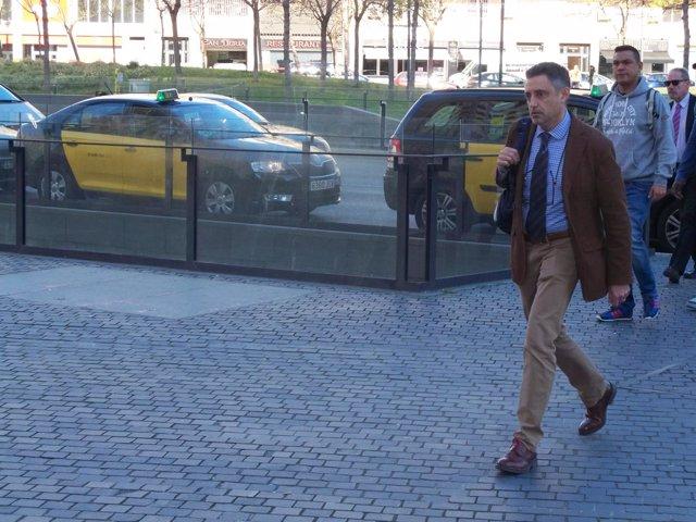 El fiscal Emilio Sánchez Ulled llegando a la Ciudad de la Justicia