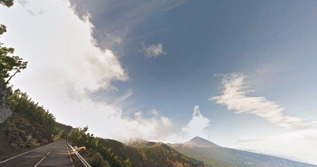 Carretera de acceso al Teide