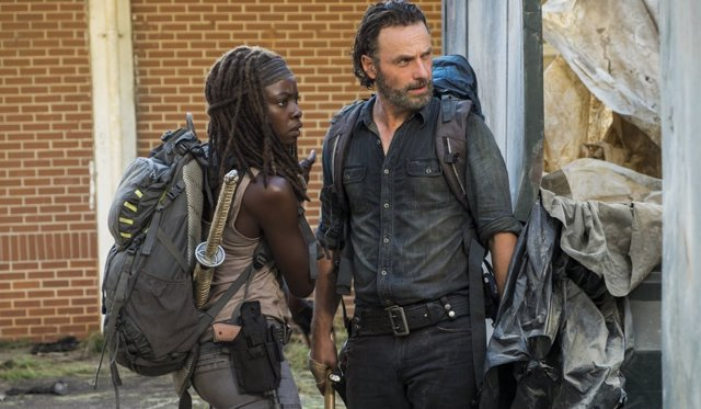 Danai Gurira y Andrew Lincoln en 'The Walking Dead'