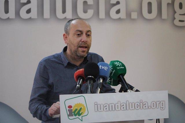 Ernesto Alba en rueda de prensa