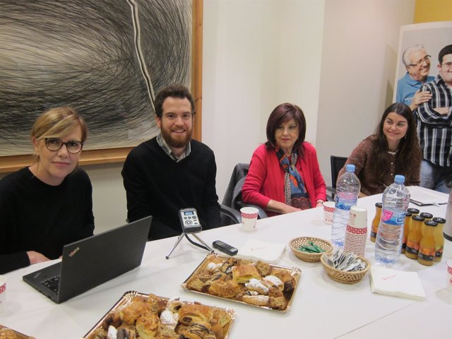 Ángela Segura, Luis De La Corte, María Mota Y Rocío Vera, En La Presentación