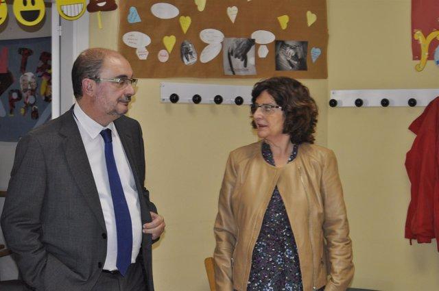 El presidente de Aragón, Javier Lambán, y la consejera María Victoria Broto.