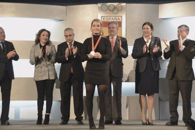 El Cómite Olímpico Español (COE) le concede la medalla de plata a Lydia Valentin